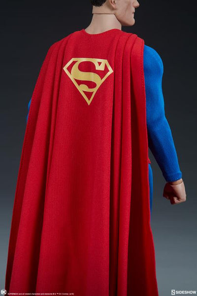 DC Comics Superman 1/6 Scale Figure