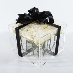 16 Stalks Of Roses In Acrylic Box - White