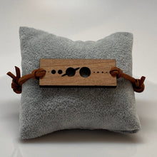 Load image into Gallery viewer, Planets Size Scale Wood Bracelet