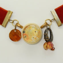 Load image into Gallery viewer, Velvet Pendant Choker