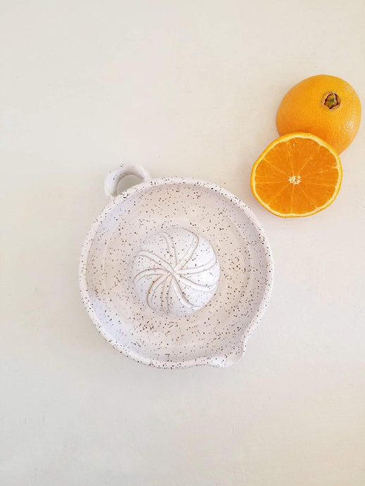 Citrus Juicer In Speckled White