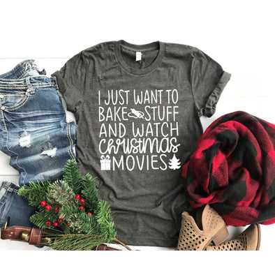 I Just Want to Bake Stuff and Watch Christmas Movies Unisex Jersey Tee - Tierra Bella