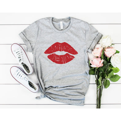 Red Lips Unisex Jersey Tee XS Athletic Heather - Tierra Bella