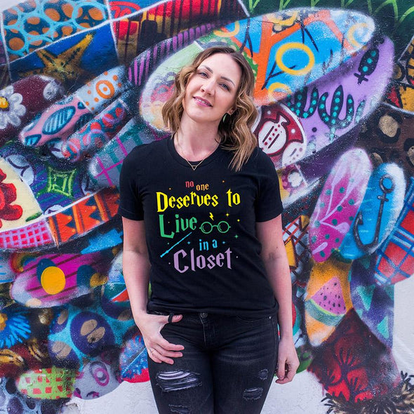 No One Deserves To Live In A Closet LGBTQ Pride Unisex Jersey Tee - Tierra Bella