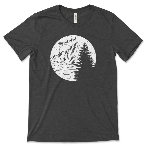 Santa Christmas Mountain Scene Unisex Jersey Tee XS Dark Grey Heather - Tierra Bella
