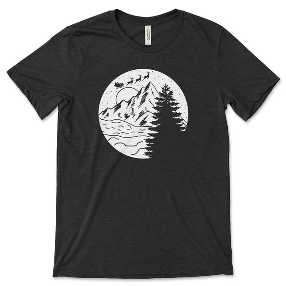 Santa Christmas Mountain Scene Unisex Jersey Tee XS Black Heather - Tierra Bella