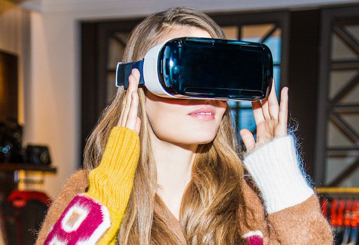 Virtual Reality for Immersive Video Shopping