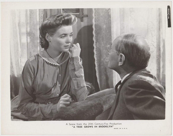Dorothy McGuire + Charles Halton 1945 STILL PHOTO A Tree Grows in Brooklyn #18