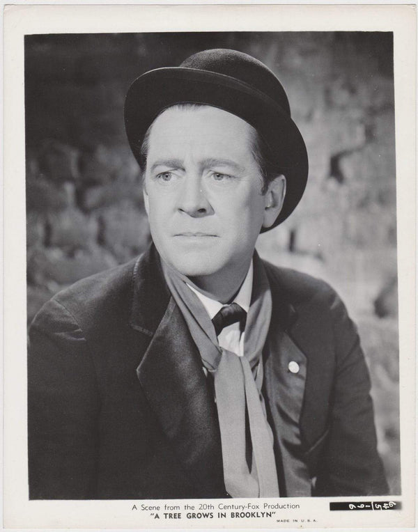 JAMES DUNN Oscar Winner 1945 8x10 STILL PHOTO A Tree Grows in Brooklyn #196