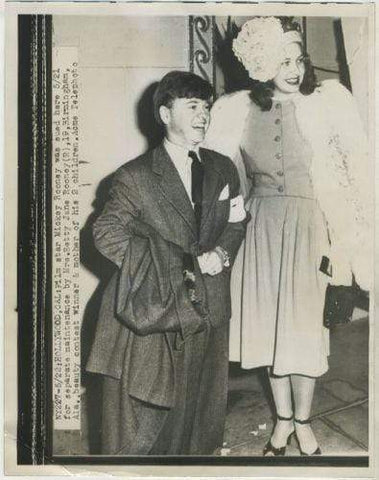 Mickey Rooney + 2nd wife Betty Jane 1947 Date Stamped 7x9 Press Photo