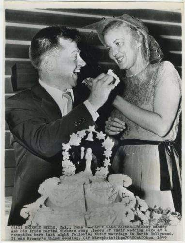 Mickey Rooney and Martha Vickers Eat Cake on 1949 Date Stamped Press Photo