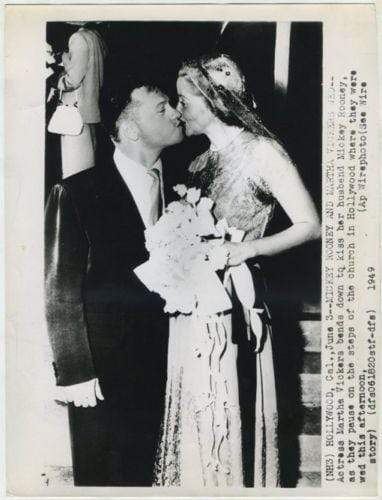 Mickey Rooney Kisses Bride Martha Vickers 1950 Date Stamped Press Photo