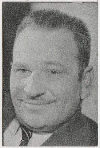 Wallace Beery 1933 MOVIEBOOK CORP of New York Film Star Trading Card #3