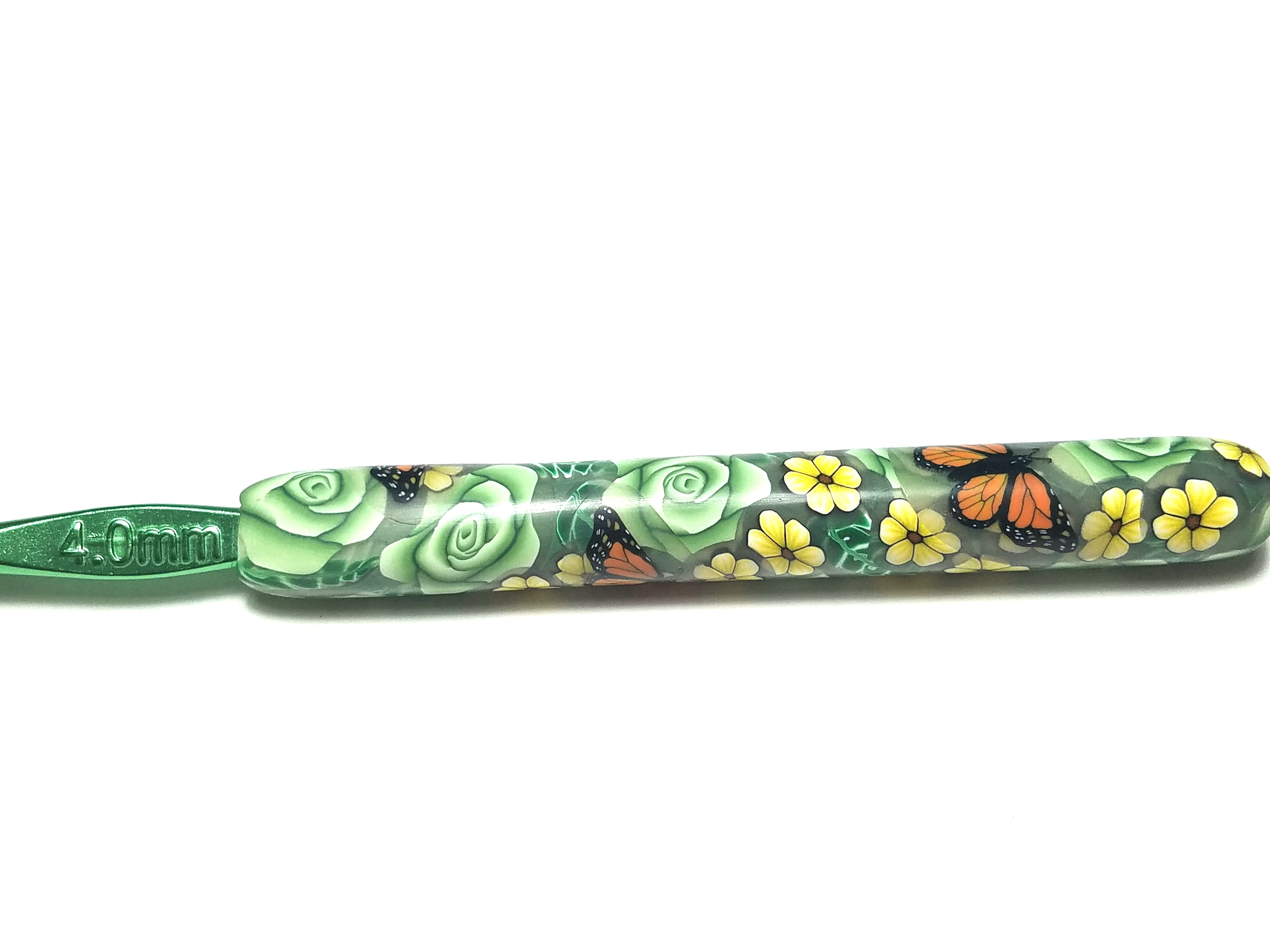 Pale Green Roses with Monarch Butterflies Crochet Hook 4.0 mm