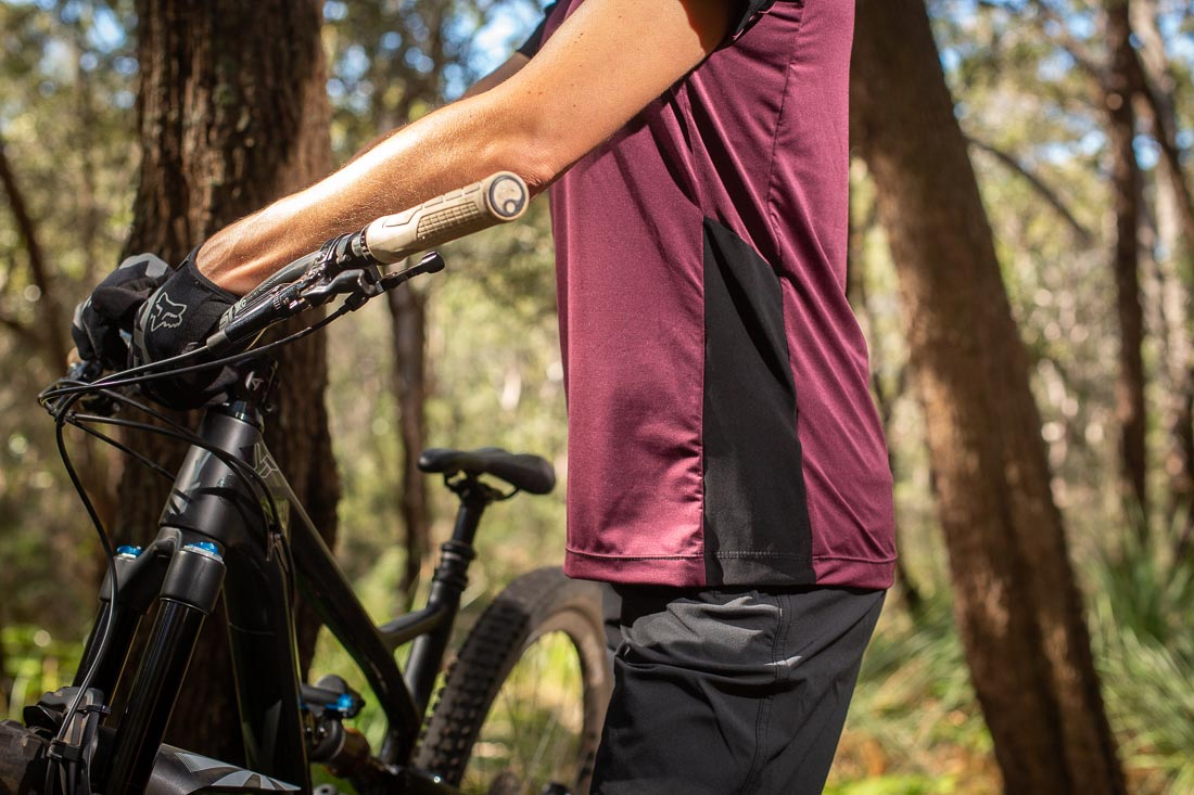 Tyres and Soles Review of the Cady-V Jersey - Side Profile Image