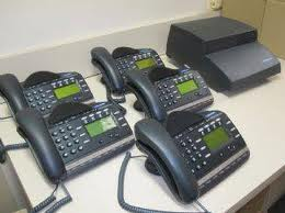 Commander- E telephone system with 3 x handsets