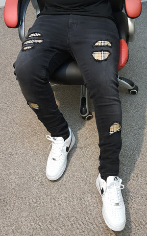 Load image into Gallery viewer, Black Distressed Burberry Slim Fit Jeans -