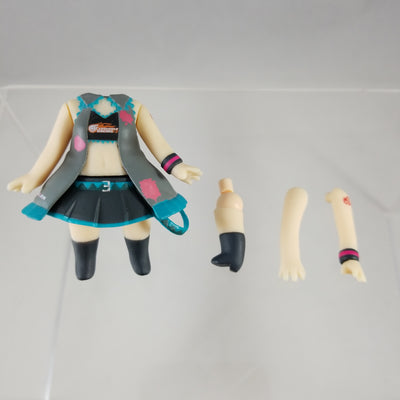 75 -Hatsune Miku Race Queen Vers. Outfit