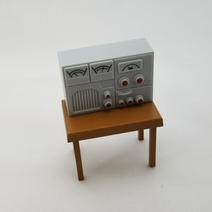 551 -Oyodo Radio with Dials and Table