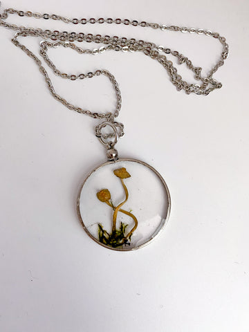 Baby shrooms necklace- extra large curly in silver