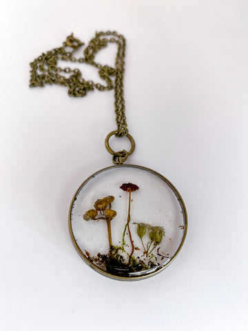 Baby shrooms necklace- 1""