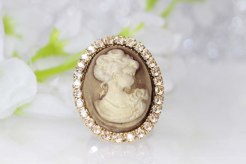 gold cameo ring vintage