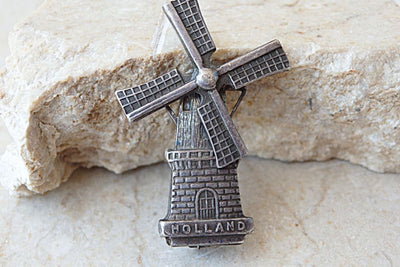 Holland Windmill. Silver Brooch.vintage Brooch. Dutch Windmill Accesories. 1960S Brooch. Antique Brooch. Metal Brooch. Retro Brooch