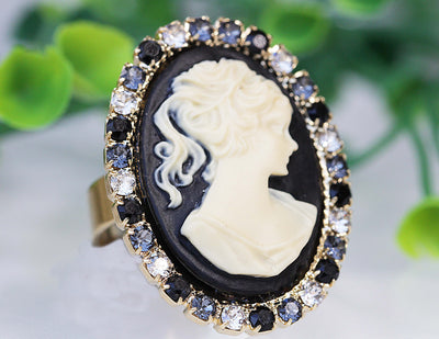 BLACK CAMEO RING, Vintage Cocktail Ring, Black White Ring, Statement Swarovski Ring, Antique Style Ring, Lady Cameo Ring, Eco Friendly Gift