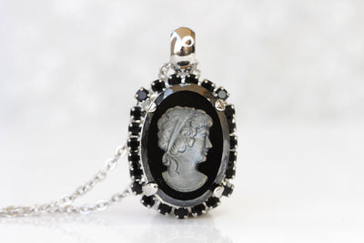 BLACK CAMEO NECKLACE, Man Portrait Necklace, Victorian Necklace, Retro Vintage Necklace, Cameo Antique Looking, Jet Swarovski Oval Pendant