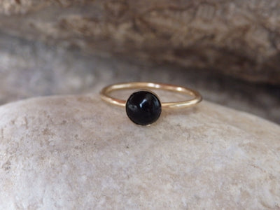Minimal Onyx Gold Ring, Black Gemstone Stacking Ring, Black Minimalist Ring, Black Onyx Goldfilled Ring, Onyx jewelry Gift, Black Stone Ring