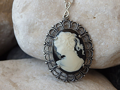 Cameo Set. Victorian Cameo Earrings & Necklace. Antique Cameo Jewelry. Antique Vintage Style Earrings and Necklace Cameo. Cameo Jewelry Sets