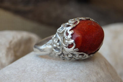 Ladies Jewelry. Coral Natural Silver Sterling 925 Ring. Red Coral Ring. Filigree Crown Silver Ring. Red Stone Ring. Etnhic Boho Coral Ring.
