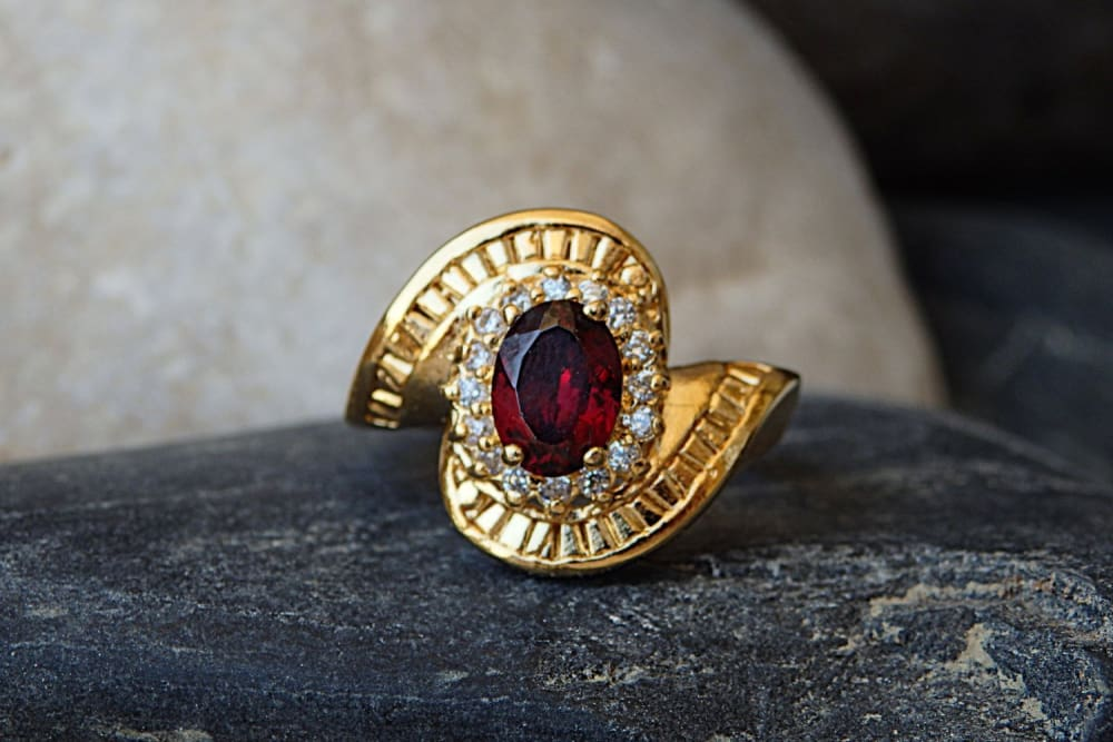 Oval Red Stone Gold Ring