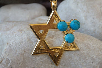 Turquoise Gold Star Of David Necklace. Jewish Star Jewelry. Statement Magen David Charms. Symbolic Jewish Jewelry. Jewish Ideas Gift.