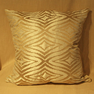 Raised woven diamond pattern