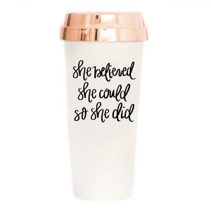 "Vaso de viaje blanco ""She Believe She Could"" - Obxequio"