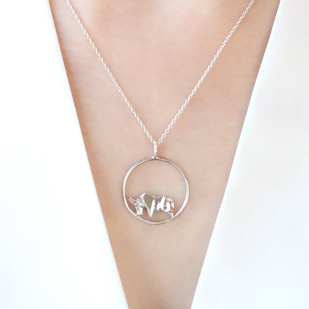 Origami Bull Circle Silver Necklace - Lertvizutte