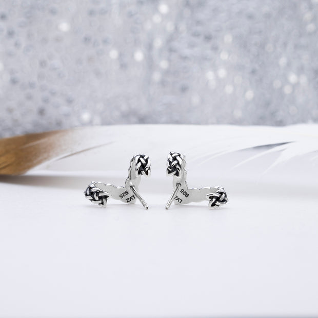 Celtic Knot V Stud Earrings - Lertvizutte