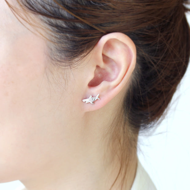 Origami Shark Silver Stud Earrings - Lertvizutte