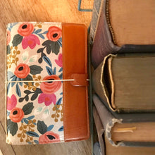 Load image into Gallery viewer, Les Fleurs (Natural) Cedar Journal