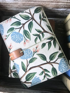 The Classic Juniper Journal in Peonies, Cream