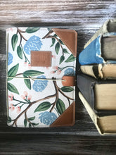 Load image into Gallery viewer, The Classic Juniper Journal in Peonies, Cream