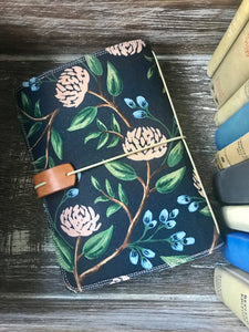 The Classic Juniper Journal in Peonies, Navy