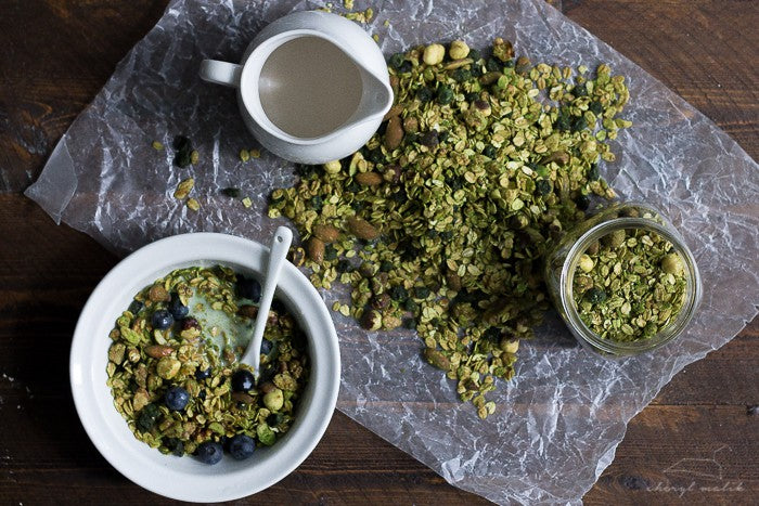 How to make Matcha Granola with Blueberries?