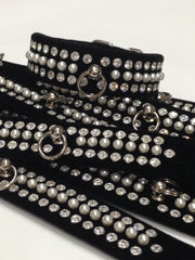 Pearl & Crystal Velvet Collar Black