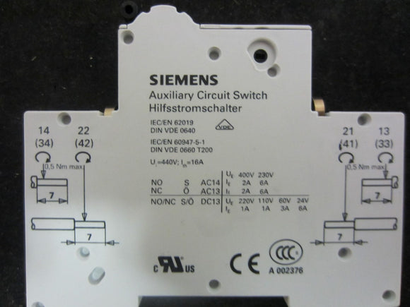 New Siemens Auxillary Circuit Switch - 5ST3 010