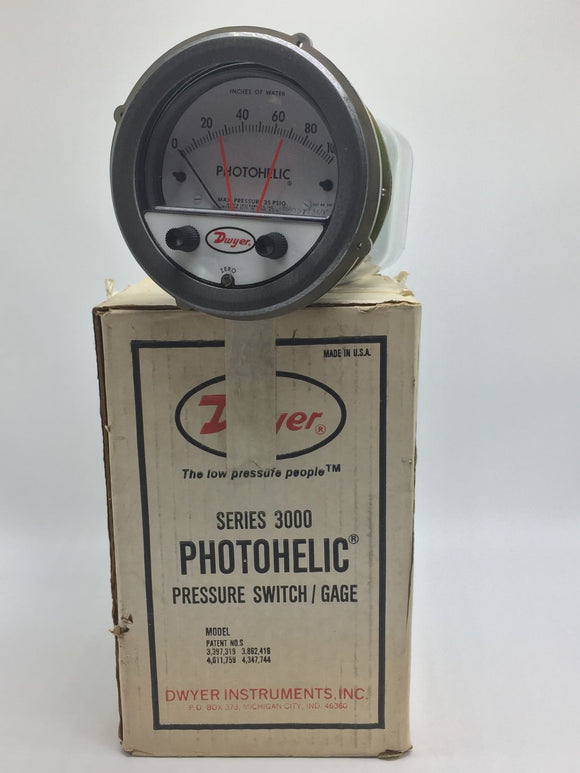 NEW DWYER 3000 PHOTOHELIC PRESSURE GAGE 0-100IN OF WATER W/TRANSMITTER PN# 3100