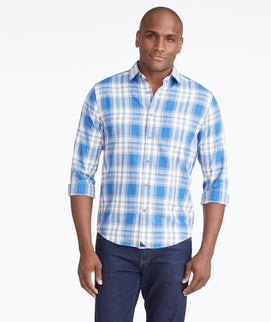 Model wearing a Blue Lightweight Flannel Fiano Shirt