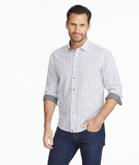 Model wearing a Wrinkle-Free Semler Shirt