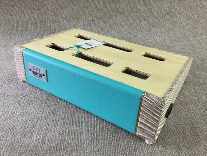 Dantas Handmade D40 Custom Pedal Board (Surf Green) + Backpack